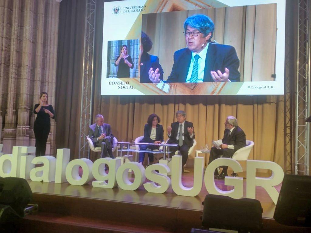 """""""Diálogos con la Sociedad"""""""